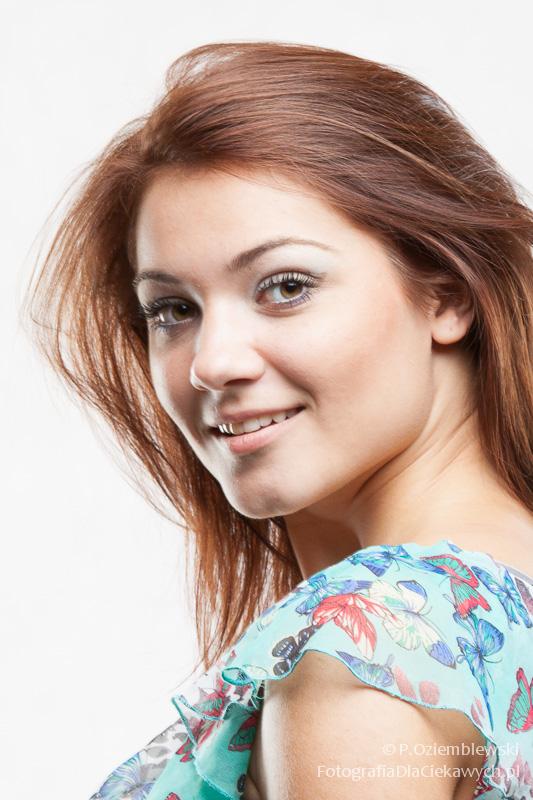 modelka Asia Grzybowska, wizaż: Karolina Pawłowska